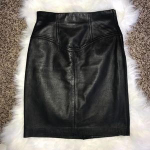 Express 100% Leather Black Skirt Size 1/2